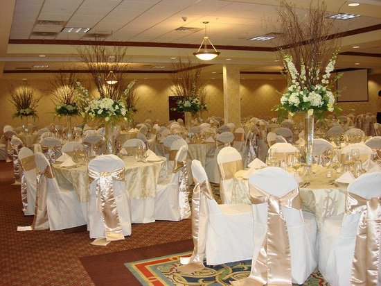 Holiday Inn Quincy East: Reception