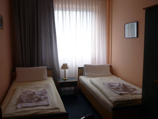Hotel Ansbach:                   Double Room with Shared Bathroom