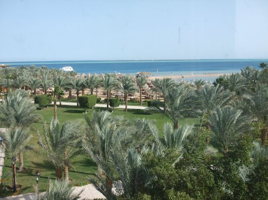 Siva Grand Beach Hotel:                   View to the beach from the third floor