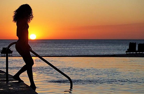 JW Marriott Guanacaste Resort &amp; Spa Costa Rica: Girl In The Sunset