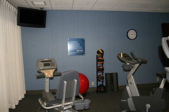 Hampton Inn &amp; Suites Wilkes-Barre: Fitness Center