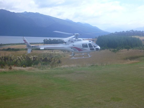 Fiordland Lodge:                   Fly out for great trout fishing.