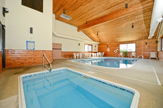 Americas Best Value Inn- Ozark/Springfield: Pool and Jacuzzi