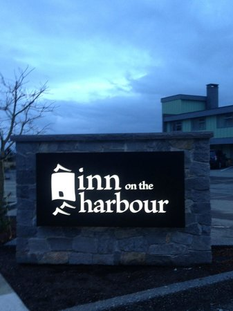 Inn on the Harbour: Entry sign