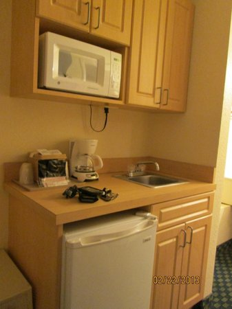 Baymont Inn & Suites Kissimmee:                   TEA BAGS AND COFFEE PROVIDED