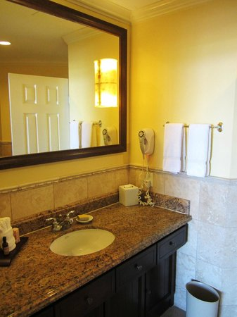 St. Kitts Marriott Resort & The Royal Beach Casino: Bathroom