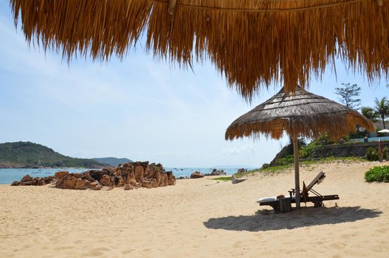 Life Wellness Resort Quy Nhon:                   Strand voor de hotelkamers