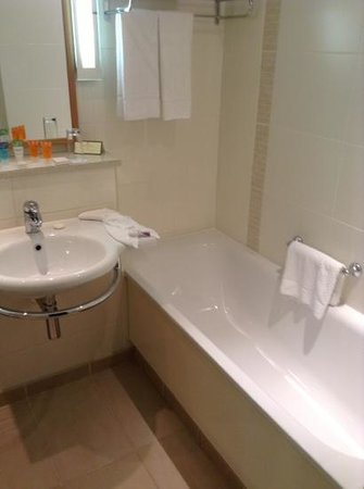 The Croke Park Hotel: bathtub