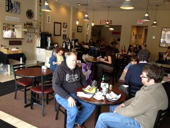 sit down dining room - Picture of Rochester Deli, Waukesha ...: http://www.tripadvisor.com/LocationPhotoDirectLink-g60365-d900772-i59938353-Rochester_Deli-Waukesha_Wisconsin.html
