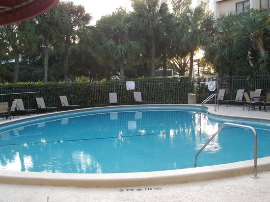 Red Roof Inn Miami Airport: piscine