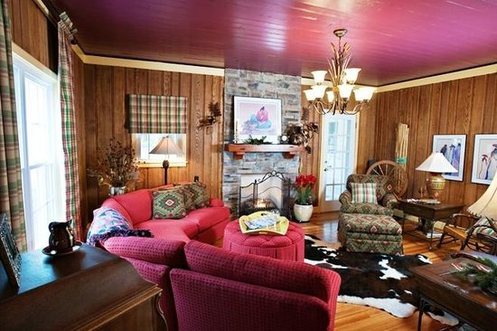 Conasauga, TN: Living Room