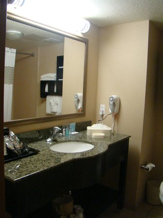 Hampton Inn &amp; Suites Bakersfield/Hwy 58, CA