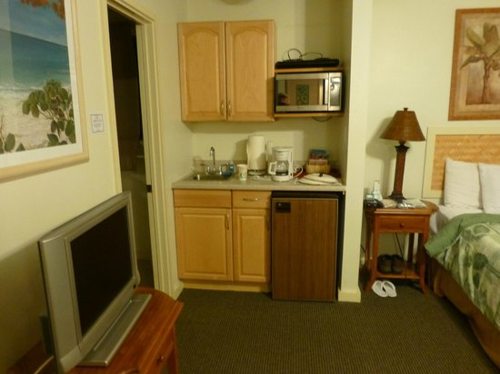 Kauai Palms Hotel:                   Our small kitchen area in room 23