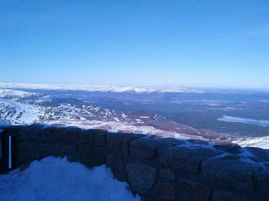Macdonald Aviemore Highland Resort:                   View from the restaurant on top of the hill