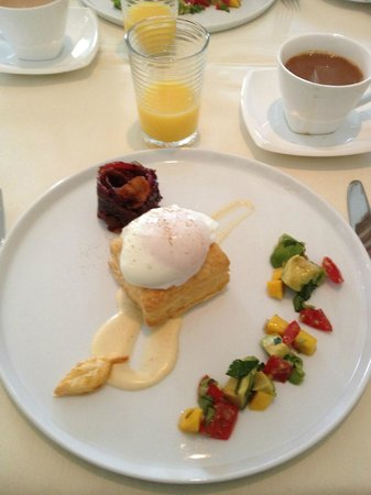 Foster Harris House:                   One of the FOUR courses at breakfast