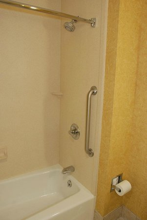 Comfort Suites:                                     Shower