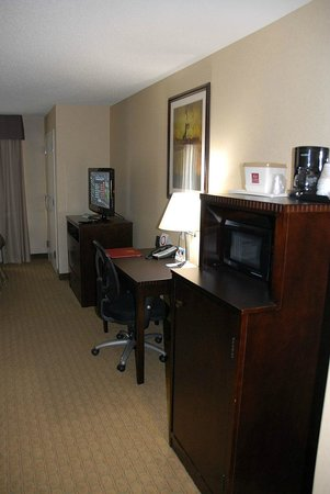 Comfort Suites:                                     Work area
