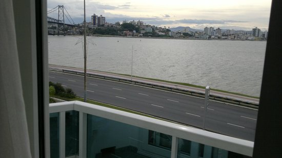 Hotel Plaza Baia Norte: Vista habitacin al frente