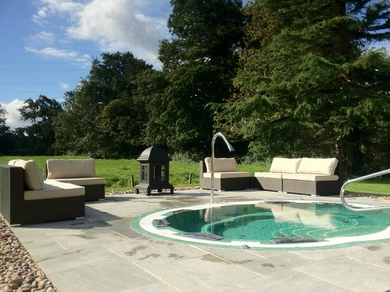 Thornton Hall Hotel &amp; Spa : Outdoor Hydro Spa Pool 