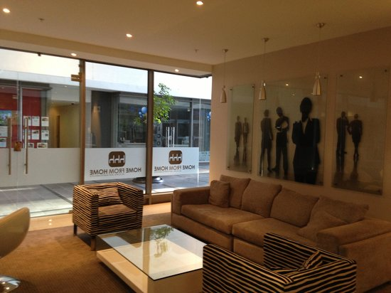 Icon Luxury Apartments:                   Business lobby is great