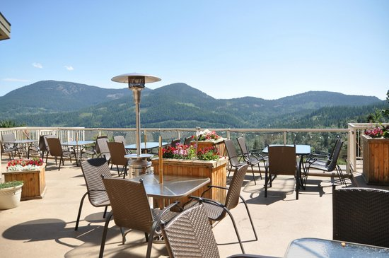 Prestige Mountain Resort Rossland : Gold Town Dining Patio