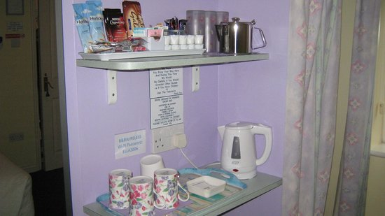 Little Bullocks Farm:                   Tea/coffe making facilities