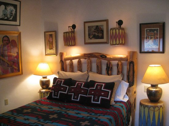 La Dona Luz Inn, An Historic Bed & Breakfast: Red Willow Suite