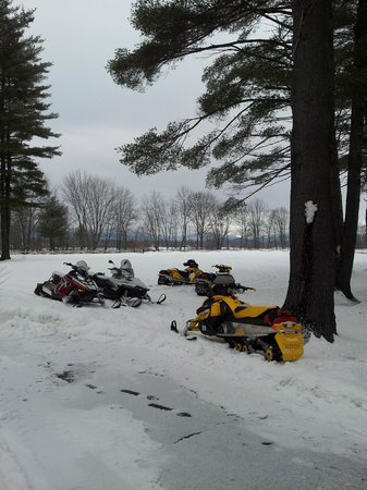 Fryeburg, ME:                   Sled parking at Old Saco Inn