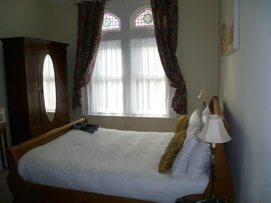 Florence House Hotel:                   Bedroom