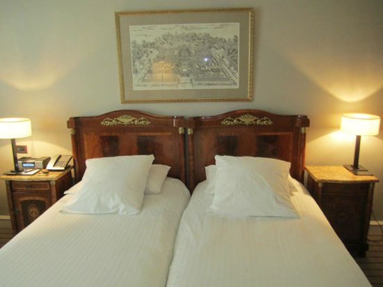 Hotel Montalembert :                   Lovely linens on the beds, charming rooms!
