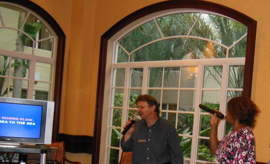 Homewood Suites by Hilton Palm Beach Gardens:                   Karaoke Fun!