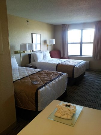 Extended Stay America - Minneapolis - Airport - Eagan - South:                                     View of room from kitchenette area.