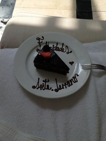 Marquis Reforma Hotel:                   This was my birthday cake
