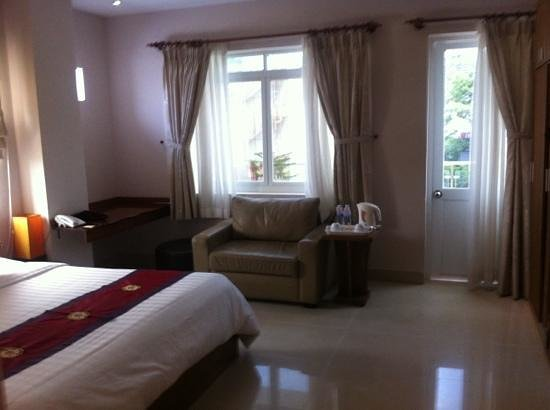 Little Saigon Boutique Hotel:                   Deluxe suite superior. Awesome!