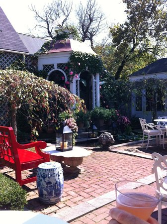 Washington, Wirginia:                   Patio intrieur