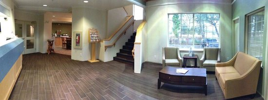 Canadas Best Value Inn: New Lobby area