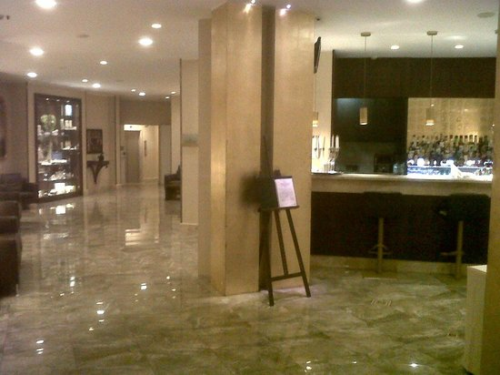 BEST WESTERN Hotel Galles:                   Hall dell'Hotel