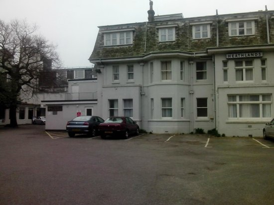 Heathlands Hotel Bournemouth: Car park