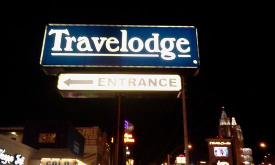 Travelodge Las Vegas Center Strip:                   insegna sul boulevard