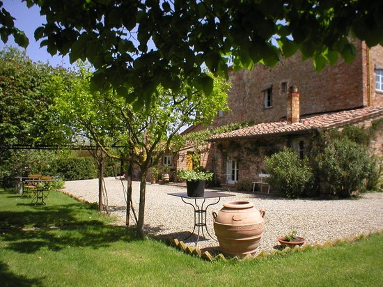 Bed &amp; Breakfast La Lodola:                   LA LODOLA