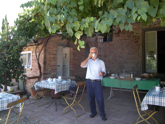 Bed &amp; Breakfast La Lodola:                   Mario