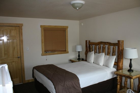Discovery Lodge:                   Room 202
