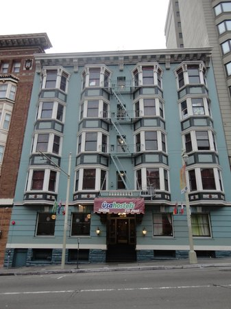 USA Hostels San Francisco:                   Front Entrance