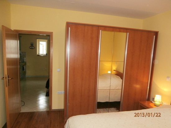 Ciovo Island, Hrvatistan: Bedroom-two bedroom apartment