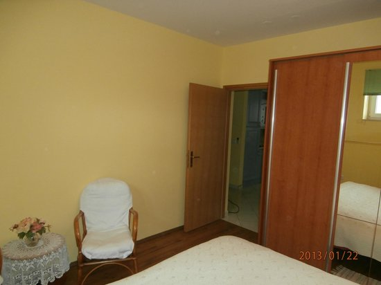 Ciovo Island, Hrvatistan: Bedroom two bedroom apartment