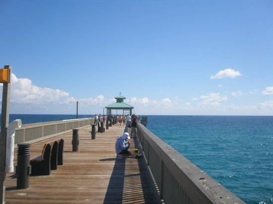 Wyndham Deerfield Beach Resort:                   fishing pier
