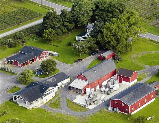 Branchport, Nowy Jork: Tasting room, winery & Hunt family home