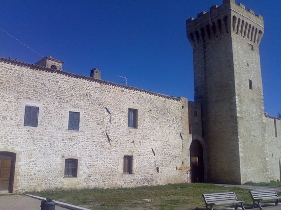 Castel Ritaldi, Italia:                   Accesso al borgo