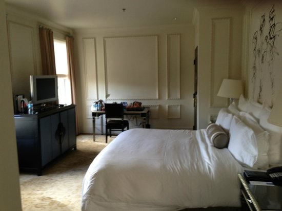 The US Grant: Spacious Corner Deluxe Room