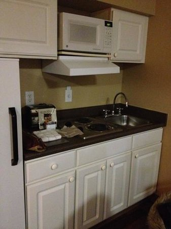 Extended Stay America - Anchorage - Midtown: Kitchen